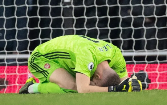 Uncertainty at the back / Goalkeeper worries